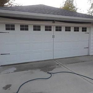 I Appreciate This Wonderful Rustic Garage Doors Rusticgaragedoors In 2020 With Images Carriage Garage Doors Garage Doors Garage