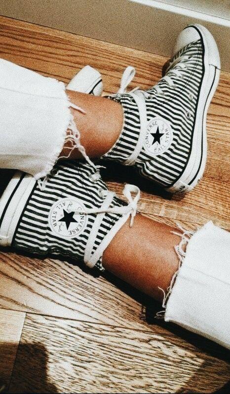 Pin de amy en kicks en 2019   Shoes, Sock shoes y Cute