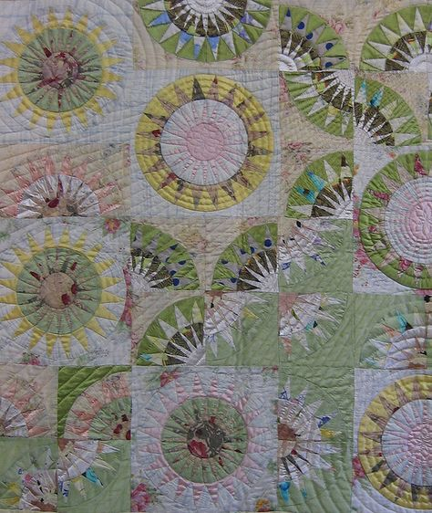 """Loch Quilt Hanging 2010  ...looks so much like my """"red"""" new york beauty quilt, only in pastels/neutrals! Jb"""