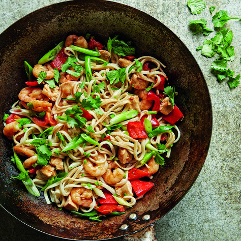 Itsu's chilli prawn and chicken stir-fryredmagazine