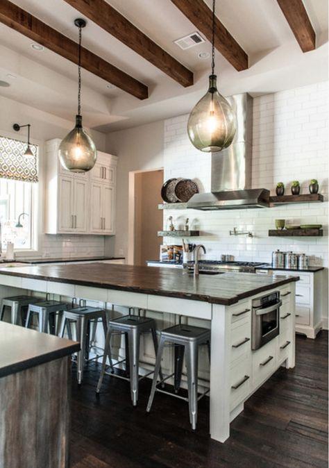 Cozinha, o coração da casa. #decoração #cozinhadecorada #arquitetura#vivianedinamarco