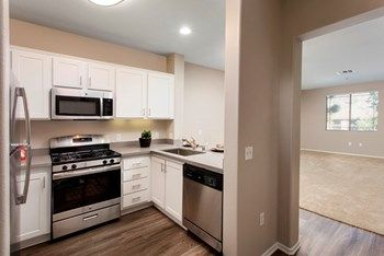 1 Bedroom Apartments For Rent In Orange County In 2020 Bedroom Apartment One Bedroom Apartment 1 Bedroom Apartment