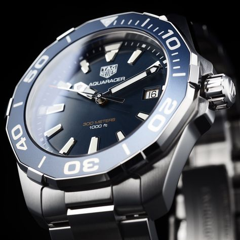 Discover the TAG Heuer Aquaracer   41 mm WAY111C.BA0928 .