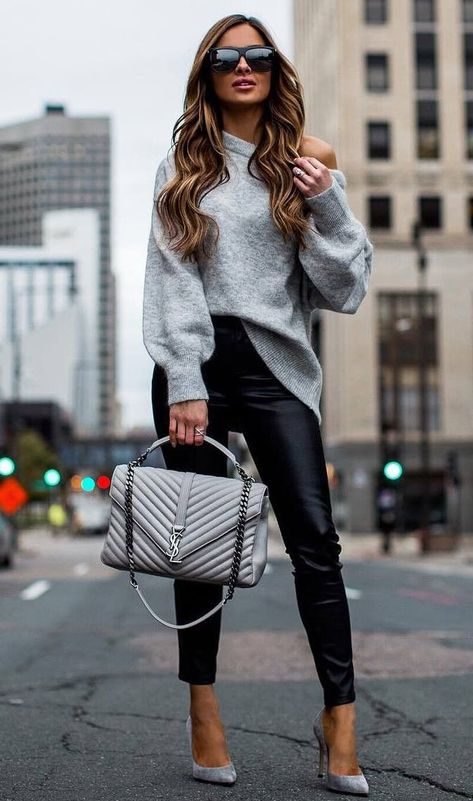 30 Chic Outfits To Wear On Thanksgiving Day, Winter Outfits, beautiful fall outfit_grey sweater bag leather pants heels.