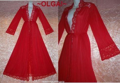 Vintage Olga Peignoir BodySilk Christmas red by HeartVintageLingerie  #vintage #vintagefashion #olga #Christmas #etsygifts