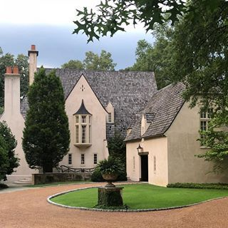 Memphis Manse A Regram From Our Friend Limestoneboxwoods Architecture Memphis Stucco Woodshingles French Exterior Auburn Houses Stucco Homes