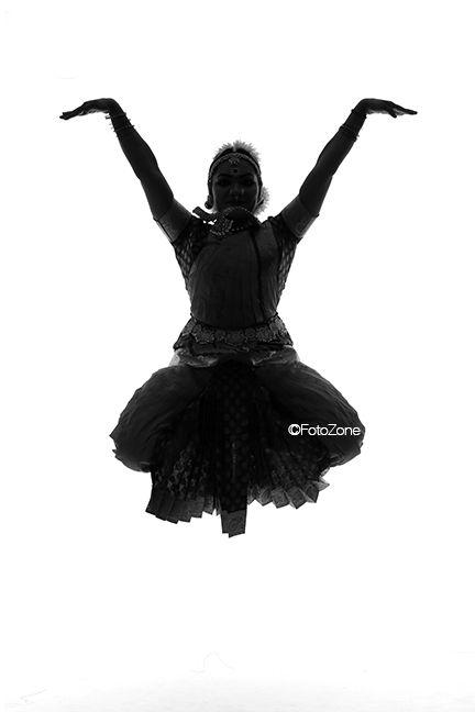 Why Monochromes Are Best For Bharatanatyam Photography Bharatanatyam Dance Photography Photography