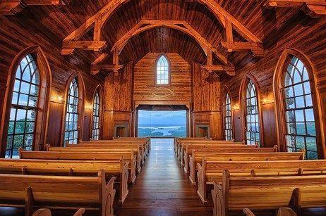 Top Of The Rock Wedding Chapel In Branson Weddingvenuetexas Missouri Wedding Venues Wedding Venues Texas Glass Chapel