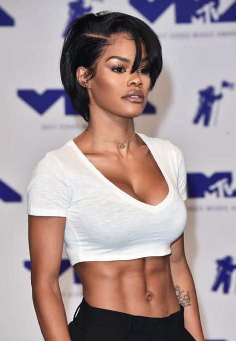Check out Teyana Taylor paying a fashion tribute to Janet Jackson with this throwback look. Teyana Taylor, Janet Jackson, Black Girls Hairstyles, Girl Hairstyles, Gorgeous Hairstyles, Mtv, Short Hair Styles, Natural Hair Styles, My Hairstyle