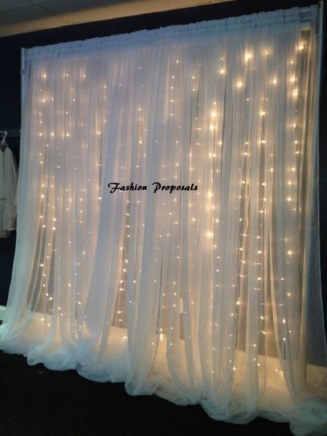 Wedding LED Reception backdrop, Wedding LED Ceremony backdrop.This complete set with 2 panels of Voile Organza and 3 sets of 260 lights with 8 strings going down. will make a beautiful addition to your Wedding ceremony.Set comes with 2 Panels of vole organza serge from 4 sides andwith special