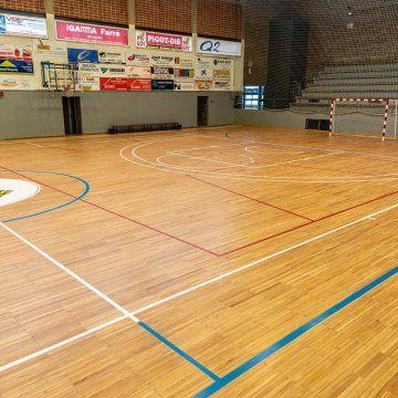 Ya Has Visto Lo Bien Que Ha Quedado La Pista Municipal De Balaguer Con Ultracoat Sport System La Federación Internacional D Federacion Baloncesto Deportes