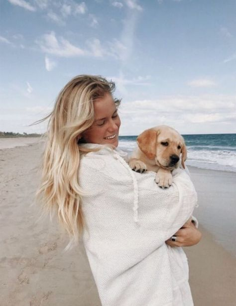 Dogs certainly make our lives happier, but can we actually learn something from them? Here are a few things your dog can teach you about being a better person. 9 Ways Your Dog Has Made You A Better Person. Photos With Dog, Cute Dog Pictures, Cute Photos, Cute Pics, Yellow Lab Puppies, Training Your Dog, Dog Mom, Cute Puppies, Adorable Dogs