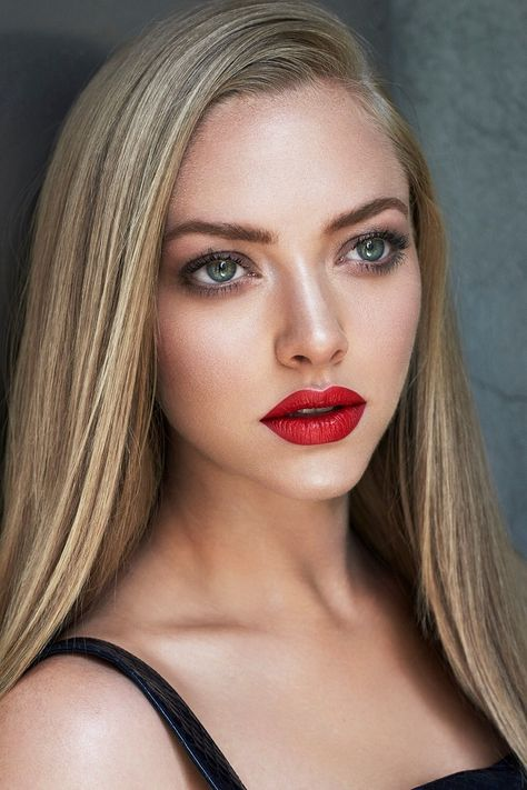 amandaseyfried_HQPICTURES_282129.jpg Click image to close this window