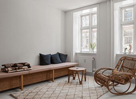 Retro Art Woonkamer : Beautiful home of danish craft artist woonkamer