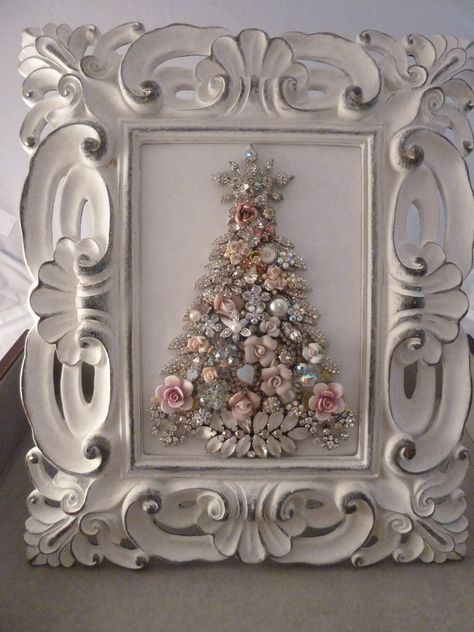 99 Inspiring White Vintage Christmas Decoration Ideas is part of Jewelry christmas tree - You don't need a big budget or a huge collection of pricey antiques to bring a vintage touch to your […] Jewelry Frames, Jewelry Tree, Shabby Chic Schmuck, Jeweled Christmas Trees, Xmas Trees, Vintage Jewelry Crafts, Costume Jewelry Crafts, Recycled Jewelry, Vintage Costume Jewelry