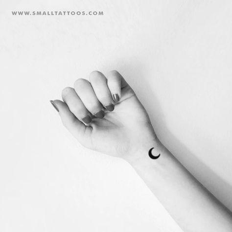 ✔ Tattoo For Women Small Moon #tattoosofinstagram #tattoooftheday #tattoostudio