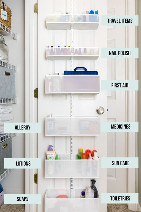 Linen Closet Organization Makeover Tips for Small Linen Closet Organization including what to purge, creative use of space, make laundry easier, and items in easy reach. Getting the linen closet organized has been on my to-do list forever, but Diy Bathroom Storage, Bathroom Organization Diy, Organization, Linen Closet, Home Organization Hacks, Room Organization, Linen Closet Organization, Home Organization, Hallway Closet
