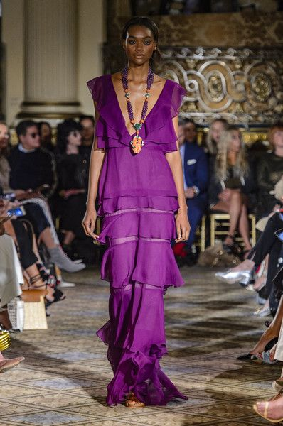 Dennis Basso, Spring 2018 - The Most Beautiful Dresses on the Runway at NYFW - Photos