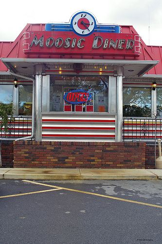diners on pinterest 50s diner soda fountain and vintage neon signs. Black Bedroom Furniture Sets. Home Design Ideas