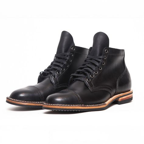 Source: youhavebrokentheinternet.blogspot.com - http://youhavebrokentheinternet.blogspot.com/2013/11/the-best-black-boots-youll-never-own.html