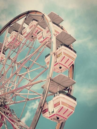 Love this vintage ferris wheel! If we had it our way we would only ride on pink rides at fairs! But until that happens, any carnival will do for us! Bring on the cotton candy and Carmel apples! Bedroom Wall Collage, Photo Wall Collage, Picture Wall, Aesthetic Pastel Wallpaper, Aesthetic Backgrounds, Aesthetic Wallpapers, Photo Vintage, Vintage Pink, Photocollage