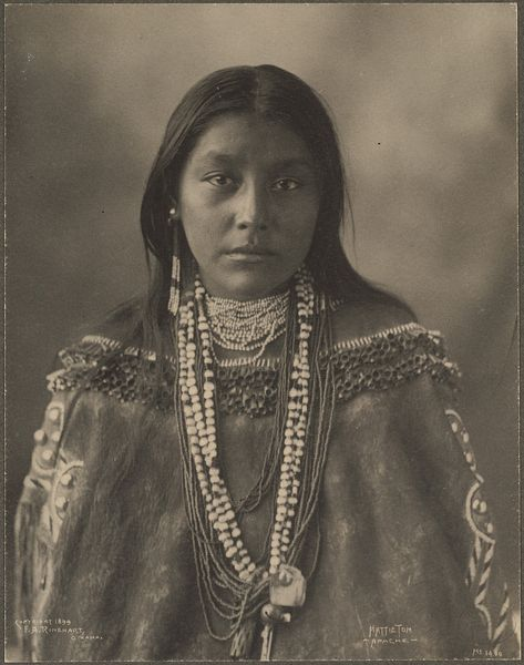 :::::::::: Vintage Photograph :::::::::  Hattie Tom, Apache, photographed by Frank A. Rinehart, 1899