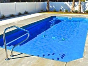 Grande Inground Fiberglass Swimming Pool In 2020 Fiberglass Pools Fiberglass Swimming Pools Swimming Pools