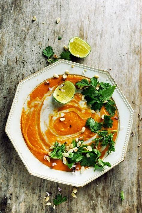 Première soupe de l'année ! Une soupe à vous allumer le feu… Velouté de butternut et de patate douce aux parfums d'Asie…