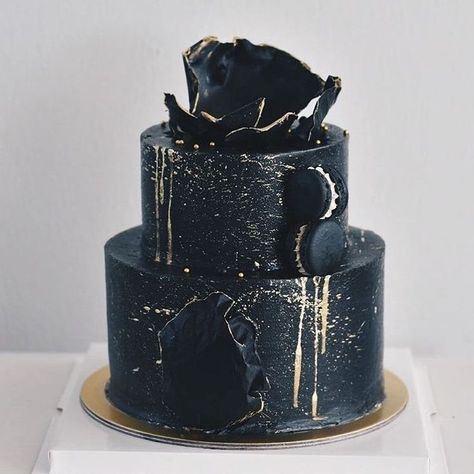 40+ UNIQUE BLACK WEDDING CAKES DESIGN AND IDEAS - Page 30 of 49 - Hertsy Wedding