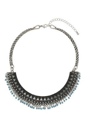 Gravierte Halskette mit geschwungenem Riegel