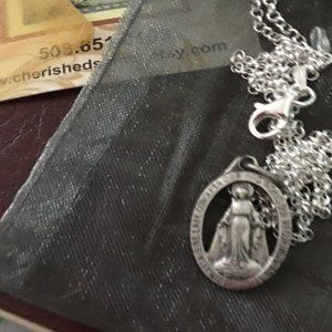 Sterling Silver Our Lady of Peace Pendant 18 Chain