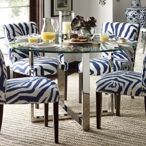 Pedestal Round Dining Table In 2020 Round Dining Table Round Dining Room Luxury Dining Tables