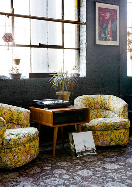 Sweet Seats - The Eclectic Maximalist Home Of Nashville's Coolest Fashion Designer - Photos