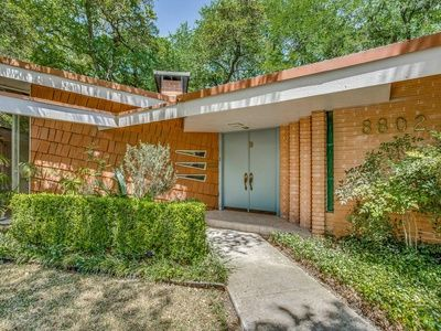 For Sale 491 900 Rare Mid Century Modern Home Set On A Shady