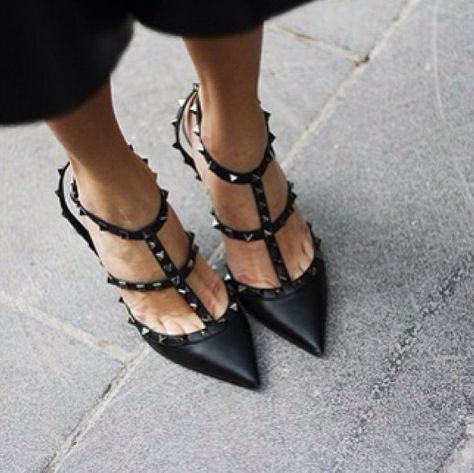 { Black Valentino pumps }