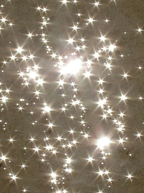 Stars of the ocean and the sparkle of the Dead Sea. Light Luz, Picture Wall, Photo Wall, Art Afro, No Photoshop, Sparkles Glitter, Bokeh, Wall Collage, Twinkle Twinkle
