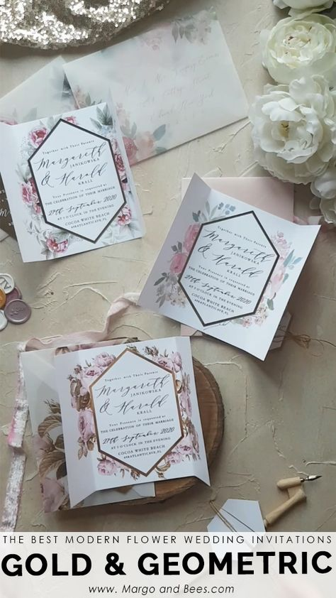 Geometric, modern wedding invitations with beautiful flowers  #geometricwedding #weddinginvitationswithflowers #moderninvitations #blushwedding #glamourwedding