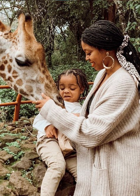 This Mother-Son Duo's Global Adventures Are The Perfect Feel Good Moment We All Need Cute Family, Family Goals, Family Kids, Black Mother, Mother And Child, Mother Daughters, Daddy Daughter, Cute Kids, Cute Babies