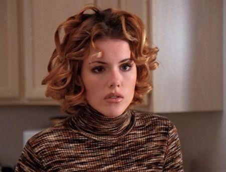 Kathleen Robertson, Clare Arnold, Beverly Hills 90210, Curly Copper Hair |  Kathleen robertson, Celebrities, Copper hair