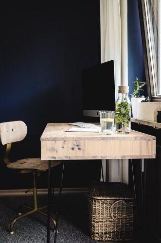 Vibienne Design Wohnen Interieur Selbst Gebauter Schreibtisch Aus Holz Mit Hairpin Beinen Farbe Schoner Wohnen Architects Wohnen Haus Inneneinrichtung