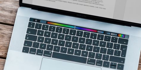 How to Make the MacBook Pro Touch Bar More Useful: 4 Tips