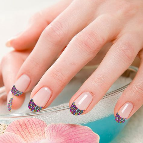 12 Pretty Caviar Manicure Designs: caviar manicure tutorial