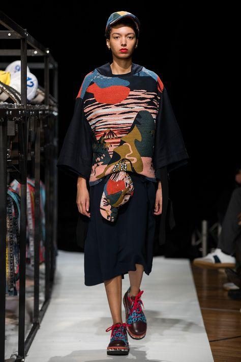 The complete Henrik Vibskov Copenhagen Fall 2018 fashion show now on Vogue Runway.
