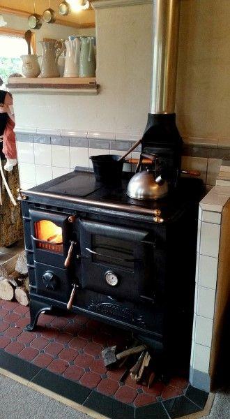 the homewood companion homewood stoves cast iron wood stove rh pinterest com