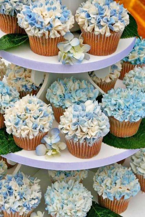 Flower Wedding Cupcakes That Look Like Real Flowers ❤︎ Wedding planning ideas & inspiration. Wedding dresses, decor, and lots more. wedding cakes with cupcakes 24 Flower Wedding Cupcakes That Look Like Real Flowers Hydrangea Cupcakes, Cupcakes Flores, Flower Cupcakes, Blue Cupcakes, Pretty Cupcakes, Blue Hydrangea Centerpieces, Blue Hydrangea Wedding, Wedding Flowers, Cupcake Tower Wedding