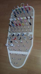 Garnrollenhalter aus Bügelbrett von IKEA - Zeiger - #aus #Bügelbrett #Garnrollenhalter #IKEA #von #Zeiger