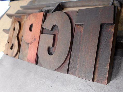 Hoy estuvimos embelleciendo nuestra tipografía Super Grotesk Bold de madera de 192 puntos.  Today we've been beautifying our 192 points Super Grotesk Bold woodtype.  #letterpress #printshop #woodtype #imprenta #tipografica #vintage #retro #typography #tipografia #madera #super #grotesk #bold #ampersand #nationalampersandday