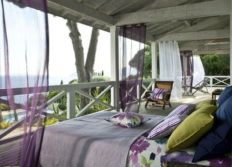 Just how To Style A Sleeping Porch: Color Styles, Concepts & Accents
