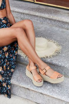 These Cute Platform Sandals Will