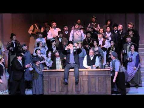 My Fair Lady in der Spielzeit 2015/16 - leider auf Deutsch... (Video des Badischen Staatstheaters Karlsruhe; Lizenz: Standard-YouTube-Lizenz)